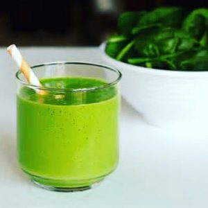 Gut health green smoothie by evie Nutritionist in Bucks